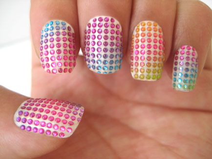 Doted nail art