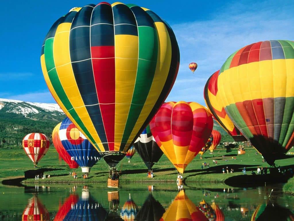 Attractive hot air balloons