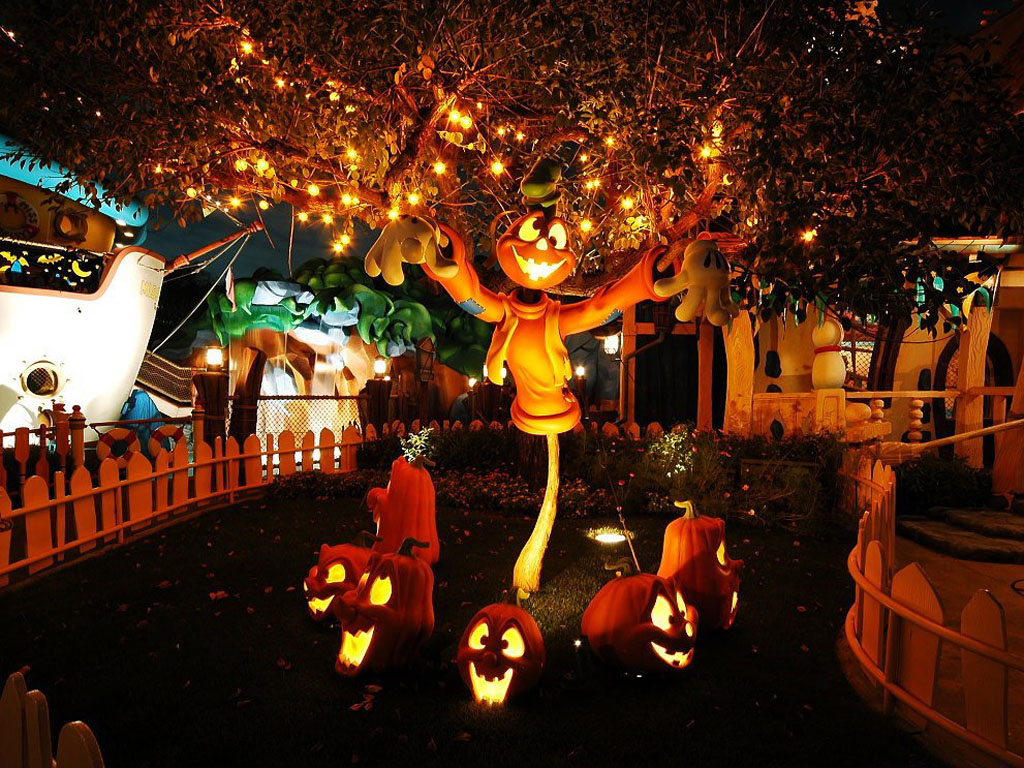 http://funlava.com/wp-content/uploads/2013/08/halloween-wallpaper.jpg